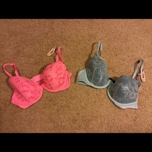Victoria's Secret bra lot